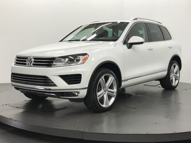 new 2017 volkswagen touareg v6 executive sport utility in tampa 175856 reeves volkswagen. Black Bedroom Furniture Sets. Home Design Ideas