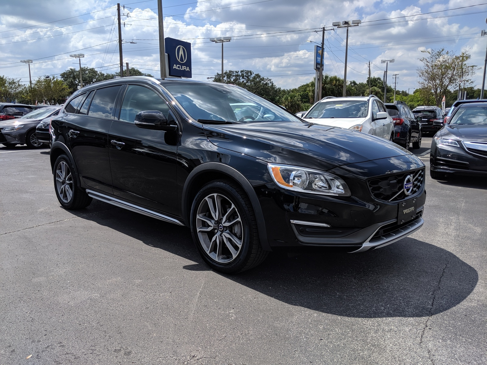 Pre-Owned 2015 Volvo V60 Cross Country T5