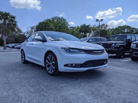 Pre-Owned 2015 Chrysler 200 4dr Sdn S FWD With Navigation