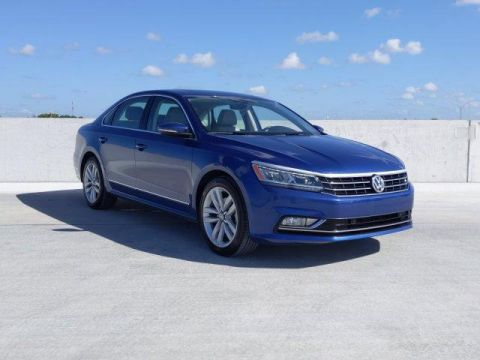 Certified Pre-Owned 2017 Volkswagen Passat 1.8T SE w/Technology Auto FWD 4dr Car